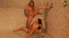 Lesbijki Biorą Wspólny Prysznic