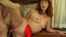 Mamuśka Lubi Seks Od Boku