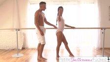 Chętna I ładna Baletnica Na Seks