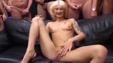 Chuda Blondi I Gangbang