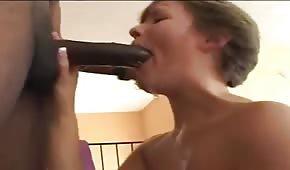 Ona Uwielbia Ssać Wielkie Pały