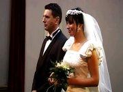 Ruchanie Panny Młodej Na ślubie